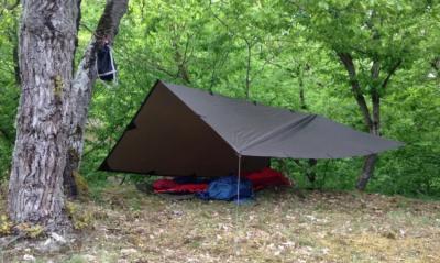 Mein neues Tarp: Draußen schlafen ohne Zelt